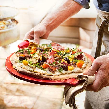 Op Pizza Stone